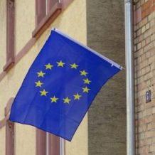 Weinheim flaggt und Windeck leuchtet für Europa